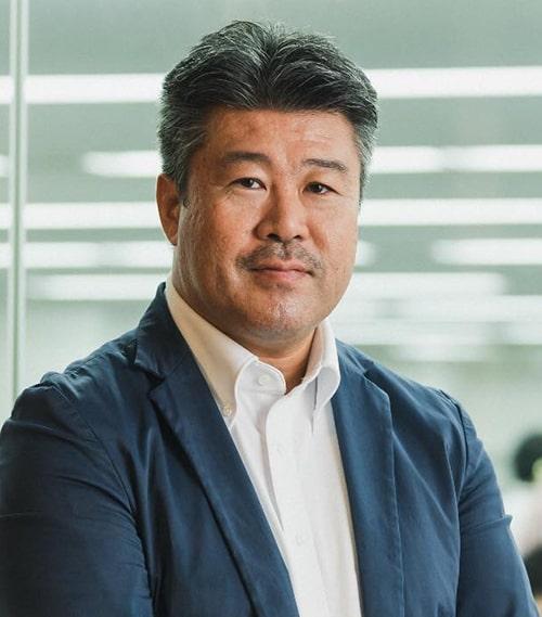 湊 剛宏(Minato Takahiro)氏 株式会社揚羽 代表取締役社長。新卒・中途採用、教育研修の営業経験や映像制作会社でのAD、ディレクター、プロデューサーの経験あり。